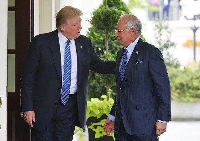 中国潜艇停靠马来西亚 美马峰会效果遭抹杀