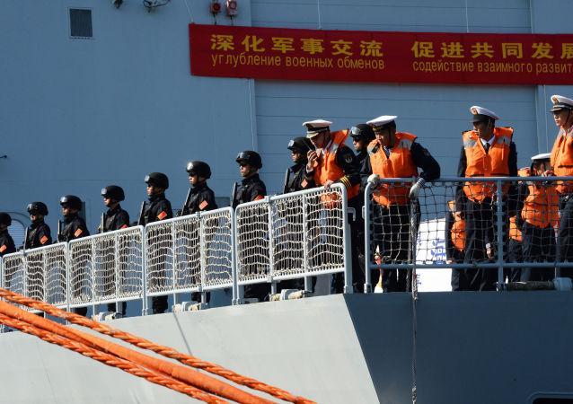 符拉迪沃斯托克居民9月21日可参观中国海军护卫舰