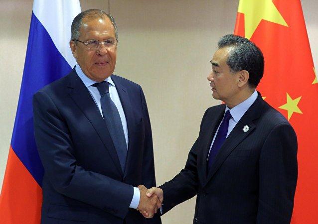 俄外长拉夫罗夫与中国外长王毅