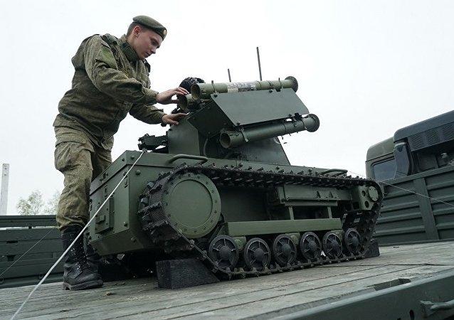 """""""平台-M""""作战机器人"""