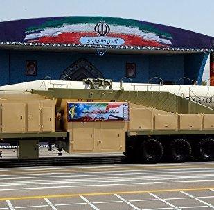 媒体:伊朗展示射程2千公里的弹道导弹
