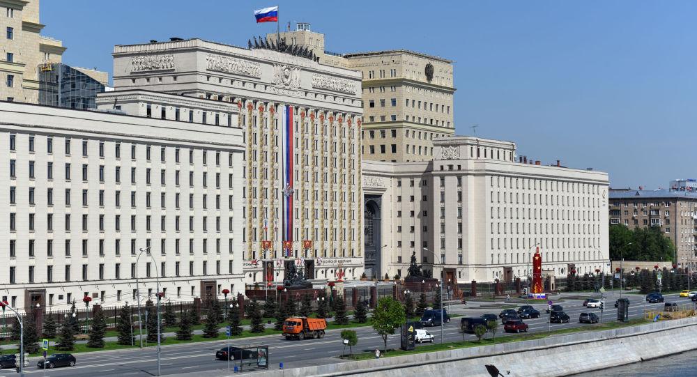 """俄国防部发布叙境内""""伊斯兰国""""占领地区照片中可见美军装备"""