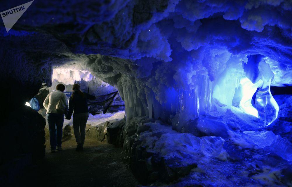 彼尔姆的昆古尔冰洞