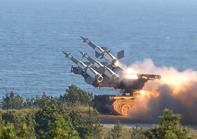 """北约在波兰启动最大规模军演""""龙-2017"""""""