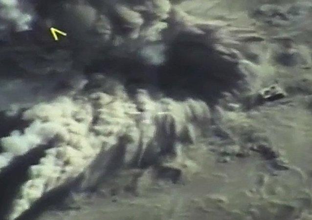 俄空天军发动进攻防止恐怖分子突破哈马的包围圈