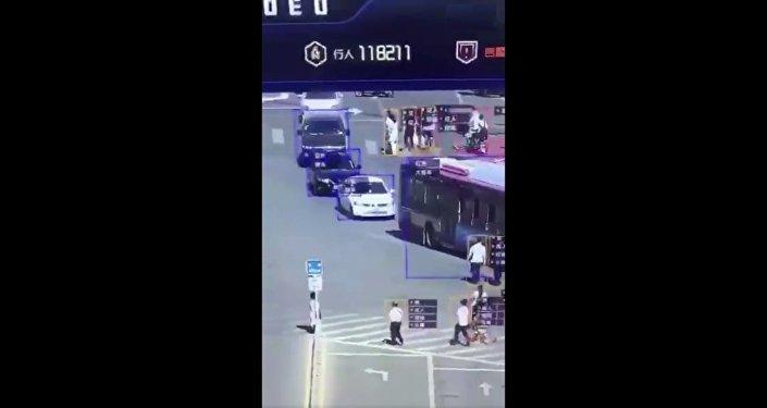 中國天網道路監控畫面曝光 可智能識別車輛行人情況