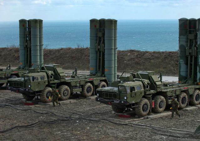 俄技术集团总经理切梅佐夫表示,计划于近期向中国发运S-400防空导弹系统