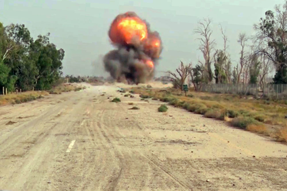 代尔祖尔城内的地雷,俄罗斯武装力量国际排雷中心专家在此进行排雷工作。