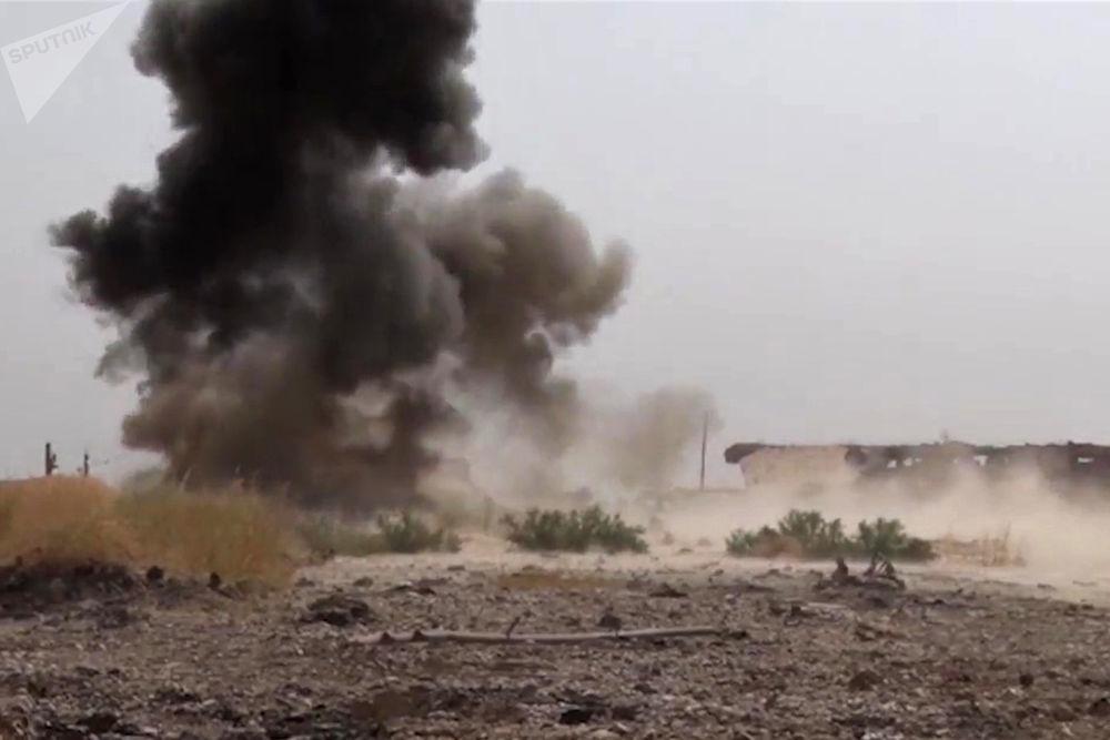 销毁排雷期间俄罗斯武装力量国际排雷中心专家发现的弹药