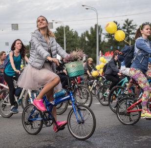 莫斯科自行車大遊行開始