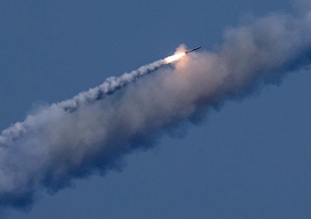 俄「口徑」巡航導彈對敘境內「伊斯蘭國」設施發動打擊