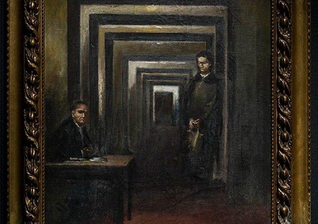 """一名男子在意大利高喊""""恶棍"""" 扑向博物馆中收藏的希特勒画像"""