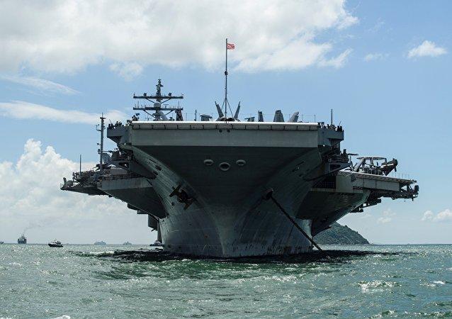 白宮:美國航母預計在2018年首次到訪越南港口