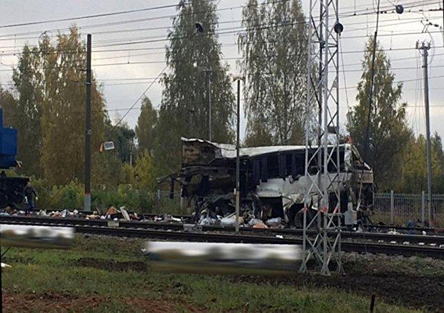 俄罗斯与火车撞的大巴上有55名乌兹别克斯坦和2名哈萨克斯坦公民