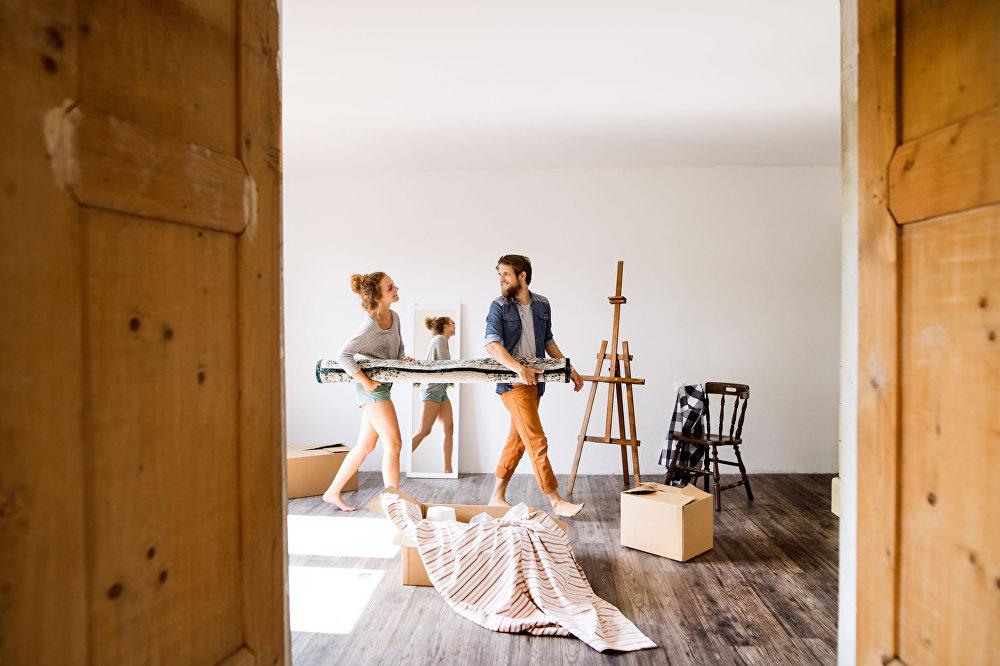 年輕夫婦搬新家