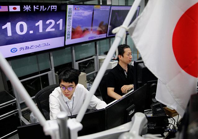 """日本夹在朝鲜威胁与美国盛怒的""""玻璃屋""""中"""