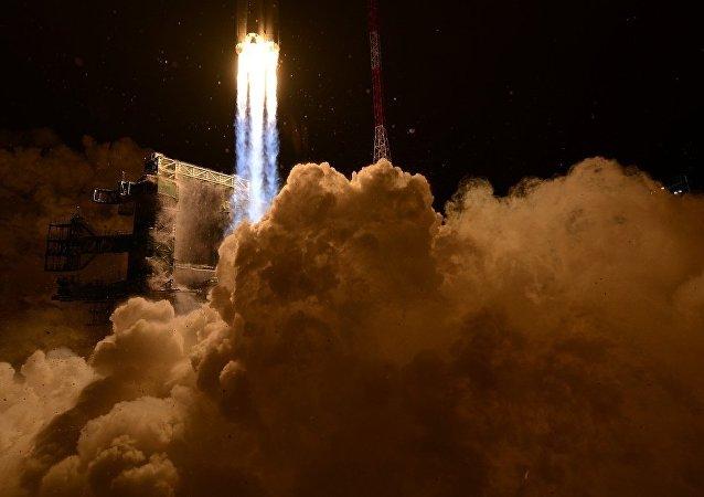 俄罗斯拟斥资120亿美元打造超重型运载火箭