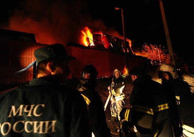 紧急情况部:顿河畔罗斯托夫市场火灾被局限于6000平米范围内