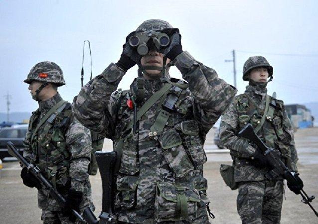 韩国军事代表团抵达滨海边疆区开始访问