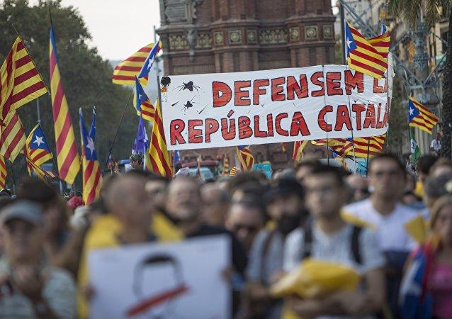 民调:加泰罗尼亚仅三分之一居民主张从西班牙独立