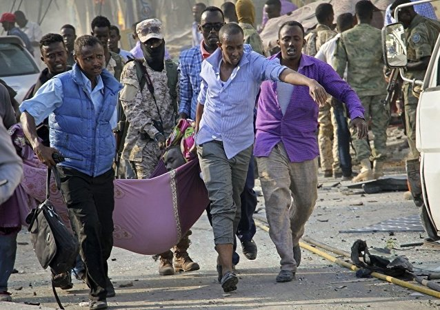电视台:索马里首都爆炸遇难人数已升至85人另有250人受伤