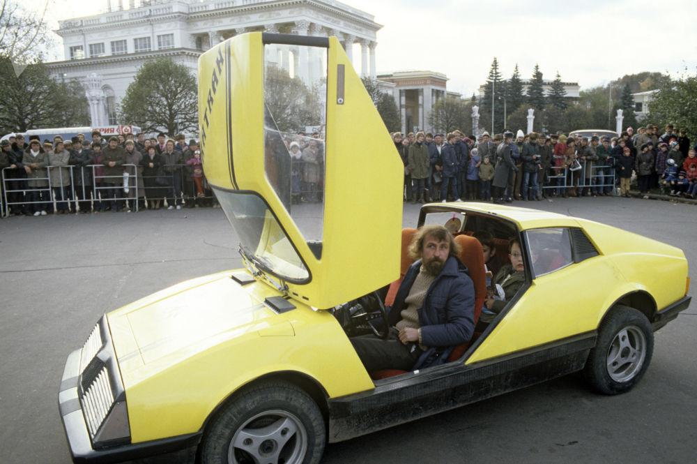 「角鯊」汽車,1985年