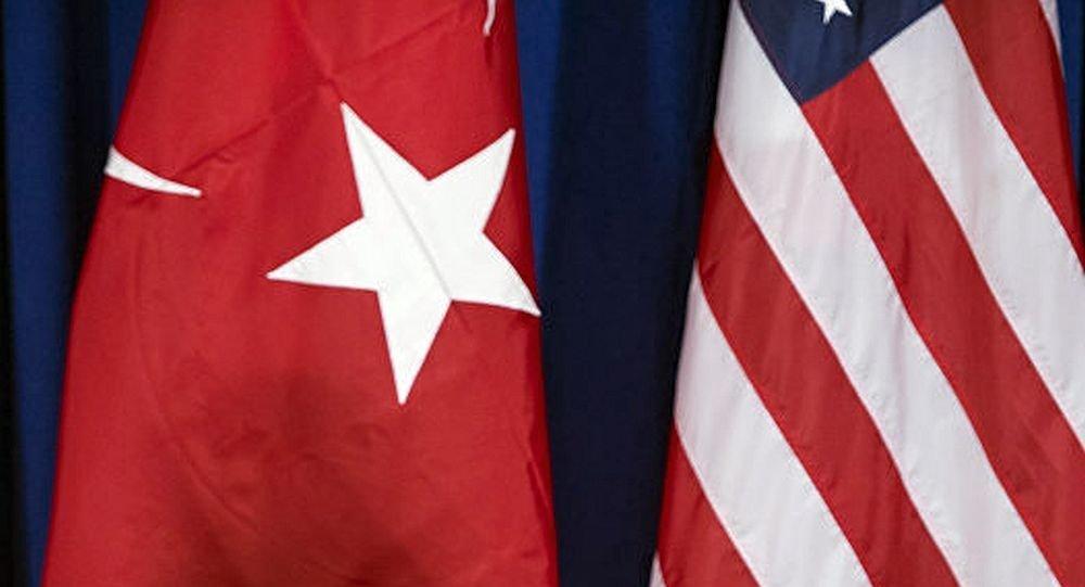 土耳其与美国国旗