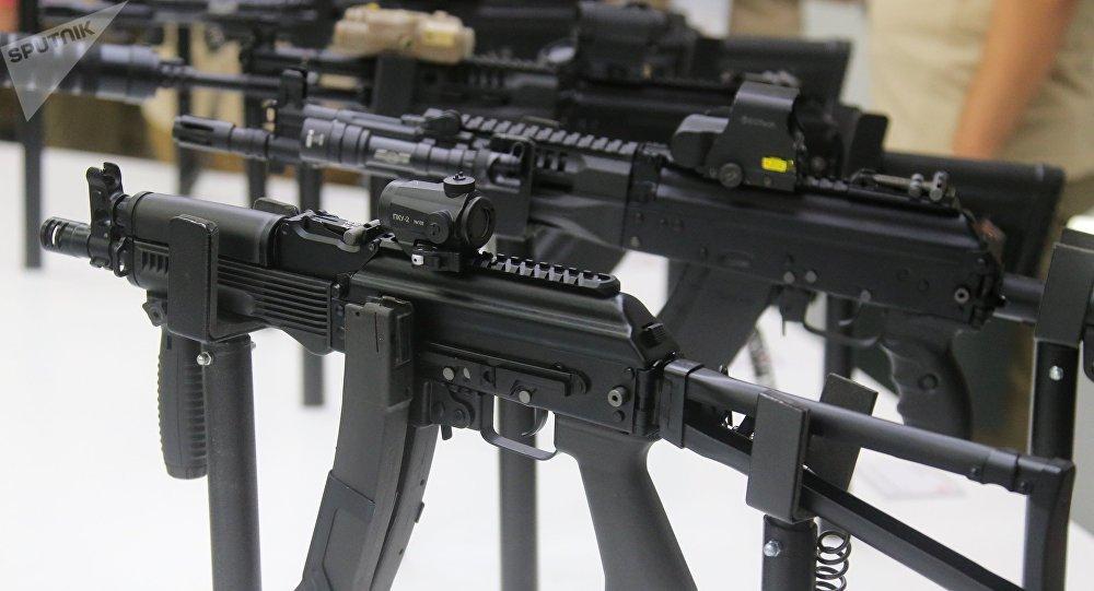 俄罗斯首次向加蓬提供武器援助