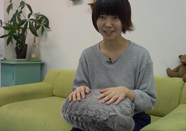 日本推出貓尾抱枕 摸摸就會搖尾巴