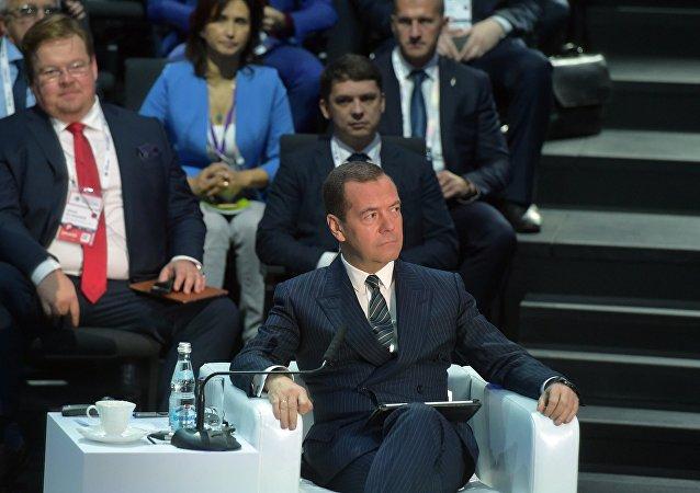 俄總理呼籲趕在人工超級智能到來前抓緊做好準備