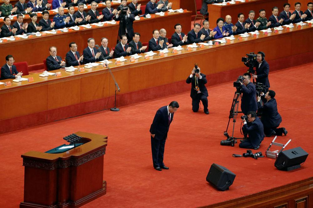 中國國家主席習近平在開幕式上作報告。