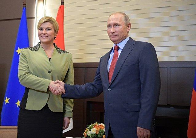 俄罗斯总统普京普京与克罗地亚总统格拉巴尔-基塔罗维奇