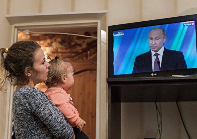 普京:不排除女性成为下一任总统的可能性