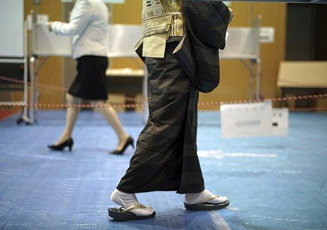 日本执政联盟赢得众议院多数议席
