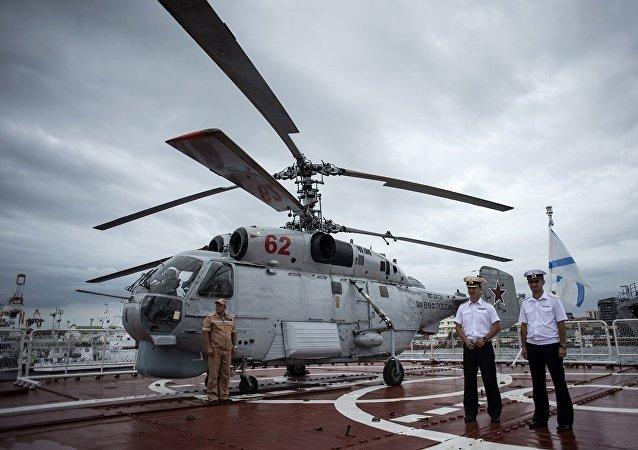 俄菲防长签署军事技术合作协议