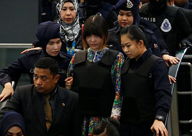 媒体:金正男遇刺案下判两名女被告面对裁决
