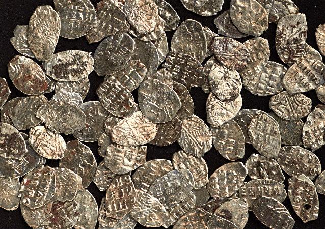 莫斯科市中心发现97枚彼得一世时期硬币