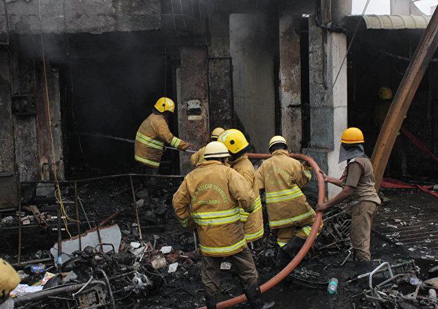媒體:印尼一煙花廠發生火災 致20余人死亡