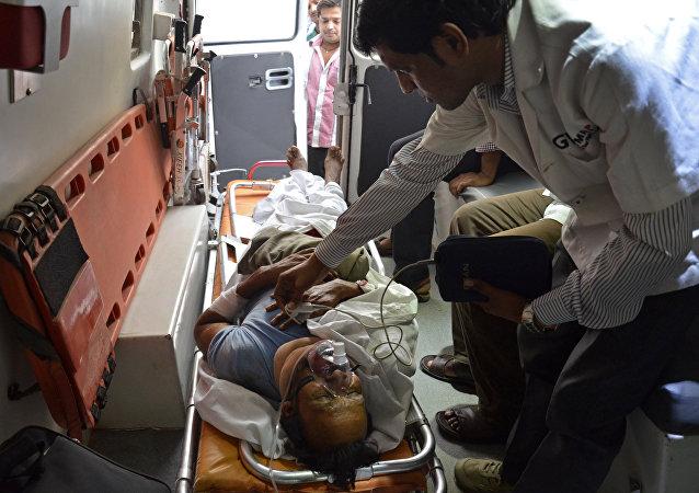 印度北部两起交通事故造成15人死亡
