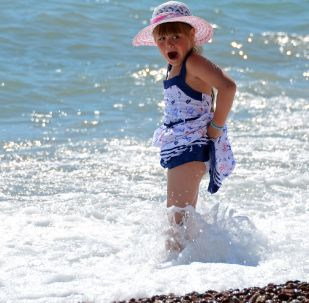 科学家揭示为何在海里游泳危害健康