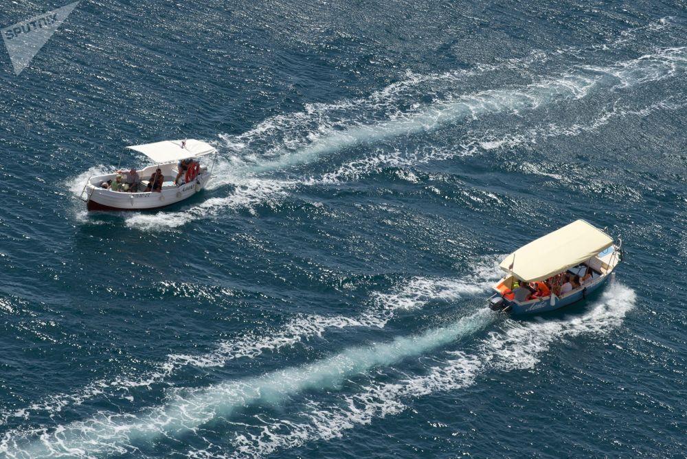 旅游休闲船,巴拉克拉瓦