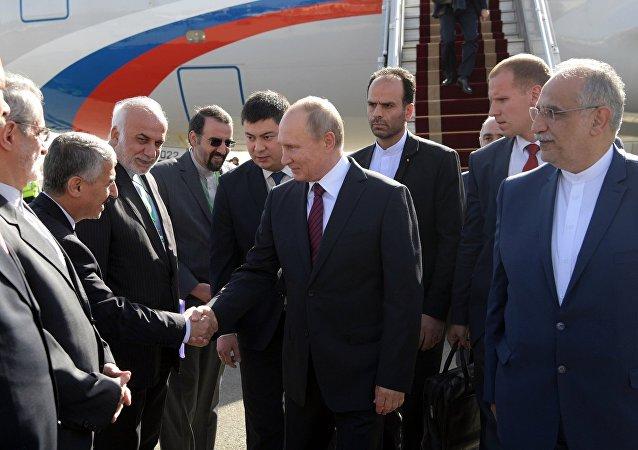 普京抵達德黑蘭