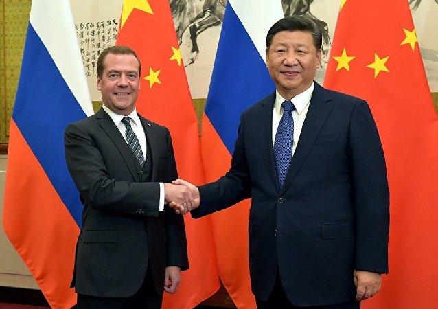 梅德韦杰夫希望进一步扩大俄中战略协作