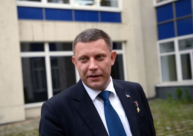 頓涅茨克領導人:頓巴斯重新一體化法案違反明斯克協議 解除軍方束縛