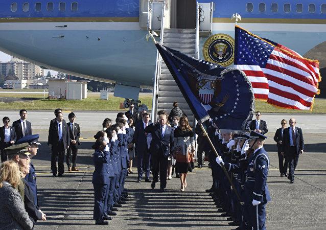 特朗普開始訪問日本