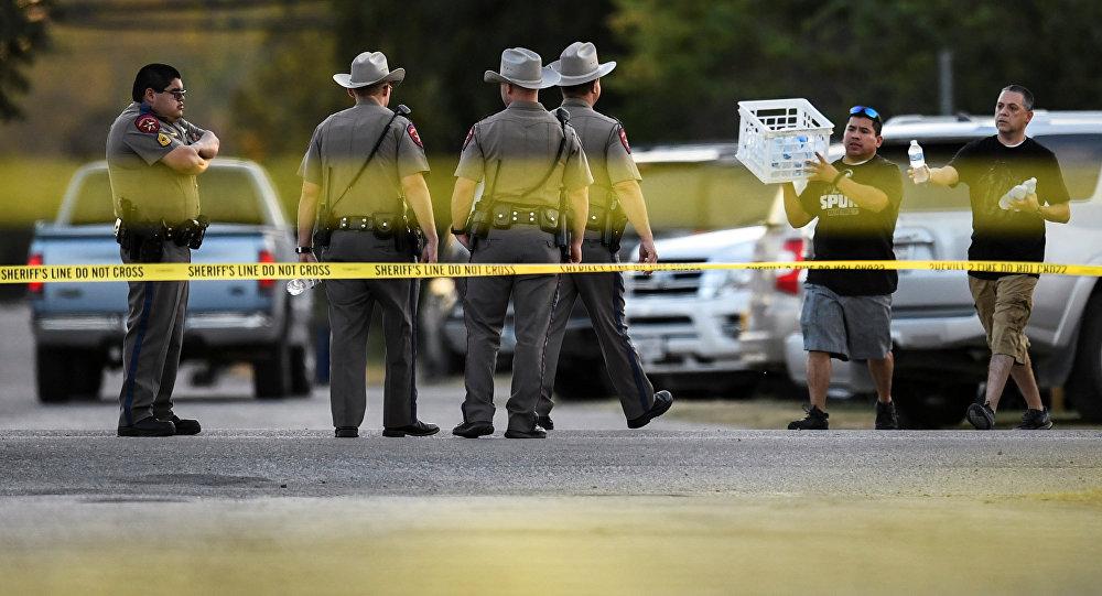 美国新墨西哥州校园枪击案导致3人死亡