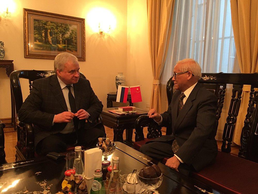 白嗣宏与俄罗斯驻华大使吉尼索夫先生曾有会面