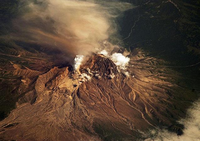 希韋盧奇火山 (捨維留奇火山)