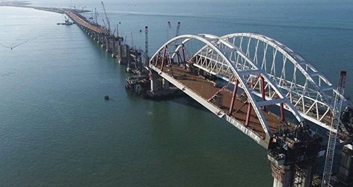 克里米亞政府對跨刻赤海峽大橋的名稱很滿意