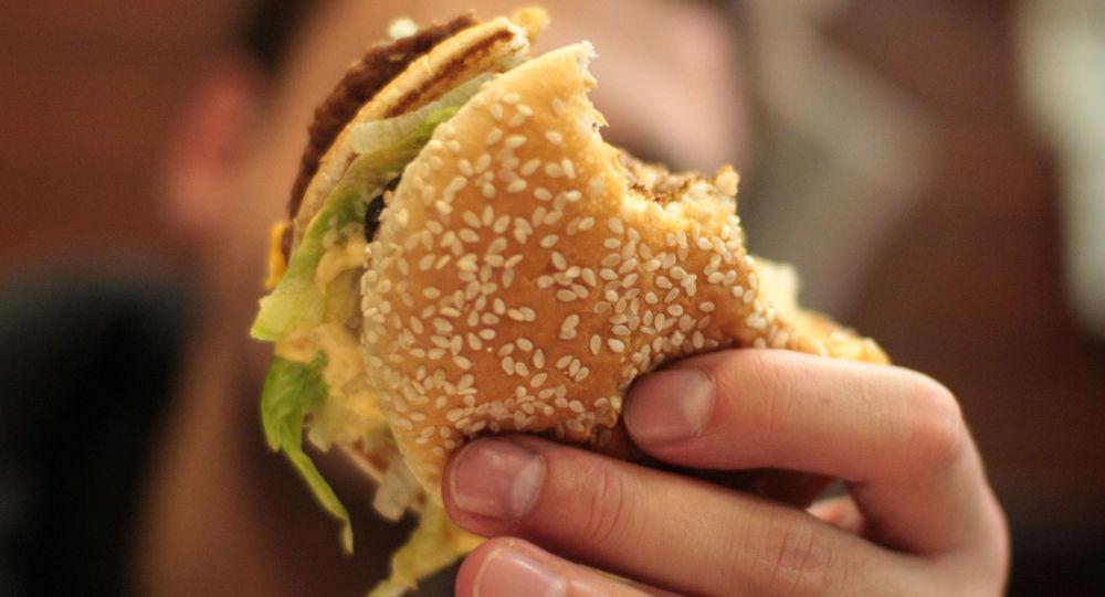 科学家告诉你为什么在餐馆吃饭有危险